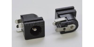 CON005 /  7x3mm konektor