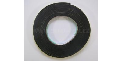 lepící páska jednostranná pěnová černá 10mm 4m 3mm